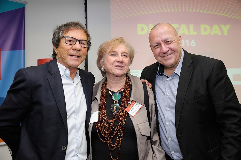 da esquerda para a direita - Marcos Dvoskin ,Pres Rev Pais e Filhos, Maria Celia Furtado, Dir.Exec ANER e Dado Schneider