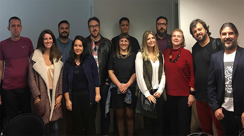 Na foto ao lado, o registro do primeiro encontro com diretores de arte das principais revistas. Para participar envie um e-mail para aner@aner.org.br