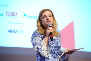 Claudia Vassalllo – jornalista