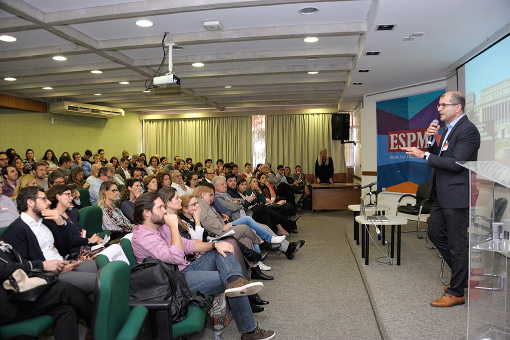 Ricardo Gandour , Jornalista Consultor em midias digitais e  Prof ESPM